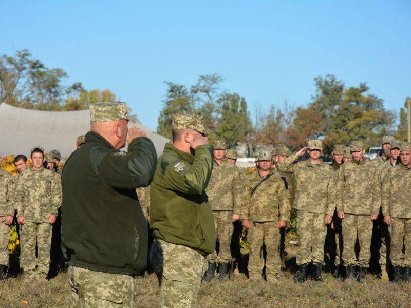 Кто-то подписал контракт, а кто-то поехал домой: николаевские десантники завершили обучение резервистов первой очереди