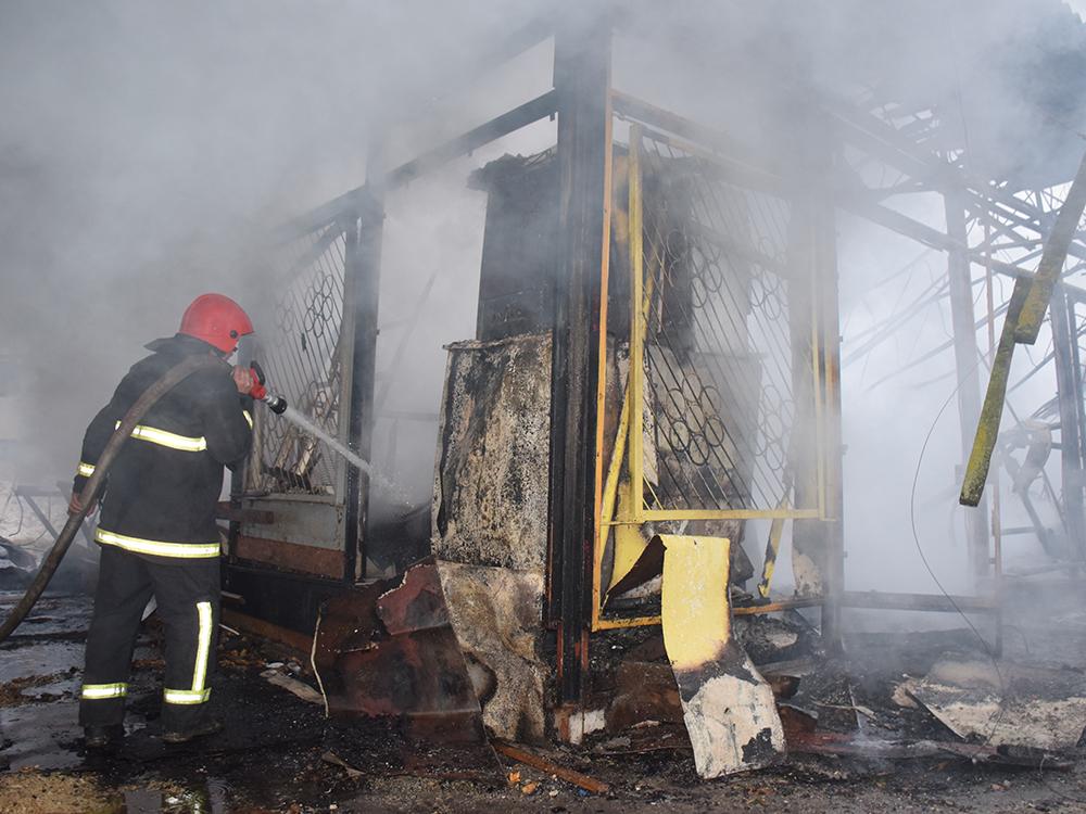 Пылало жарко: в Коблево сгорела хозпостройка с мебелью одной из баз отдыха 9