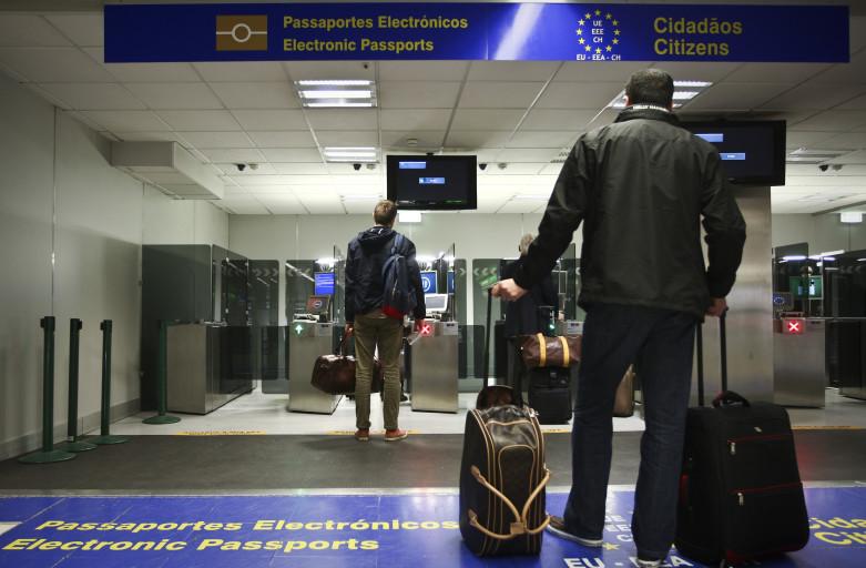 Только один из десяти николаевцев за последние 5 лет был в Европе