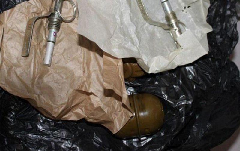 В Мариуполе мужчины пересылали почтой гранаты – их задержали