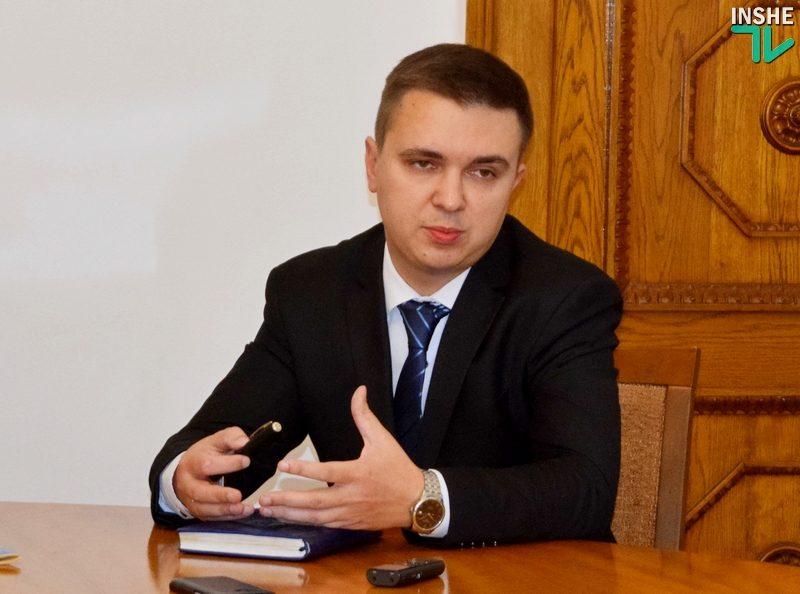 """Жителям Ингульского района теперь обещают вручать справку """"о составе семьи"""" в день обращения"""