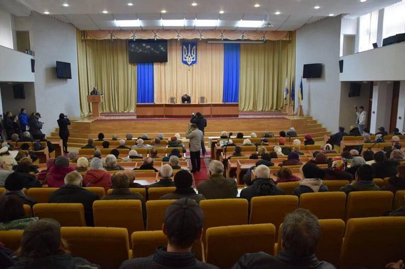 В Николаеве рабочие судостроительного завода опять ходили к облгосадминистрации за долгами по зарплате. Им рассказали, что письма пишут