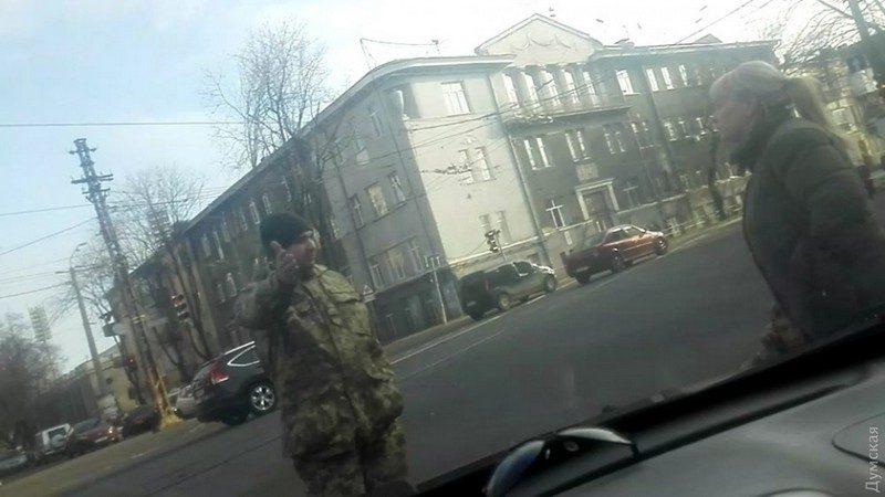 В Одессе прямо с занятий сотрудники военкомата забрали студента-уклониста – его «отбил» адвокат