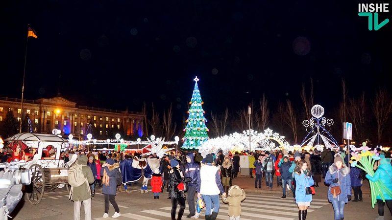 И световые фигуры, и Iphone X от губернатора Савченко: как в Николаеве Главную елку открывали