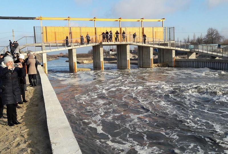 Чтобы упала соленость: Тилигульский лиман соединили с Черным морем