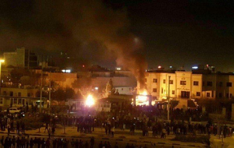 Стабильности нет. В Иране антиправительственные протесты охватили 40 городов