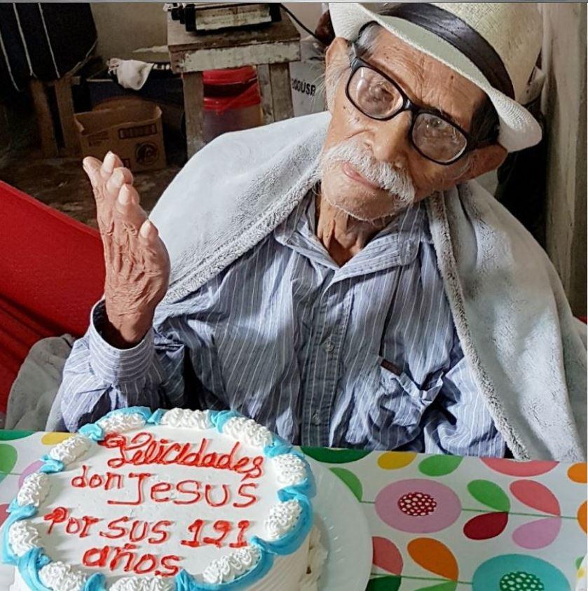 Скончался старейший гражданин Мексики предпосылкой смерти стала дыхательная недостаточность, вызванная воспалением легких
