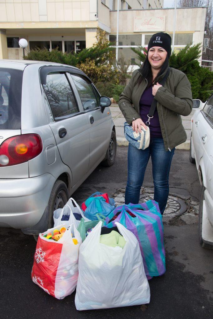 Тяжелое время. В Николаеве волонтеры помогли малоимущим утеплиться к зиме 1