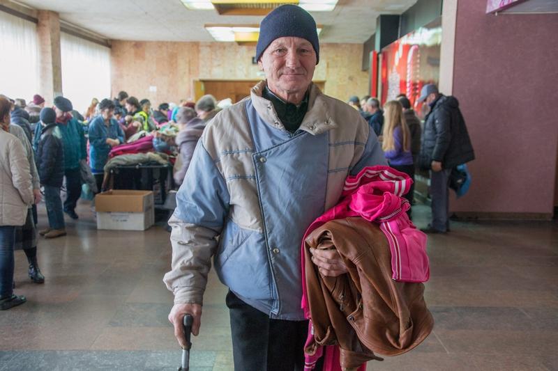 Тяжелое время. В Николаеве волонтеры помогли малоимущим утеплиться к зиме 5