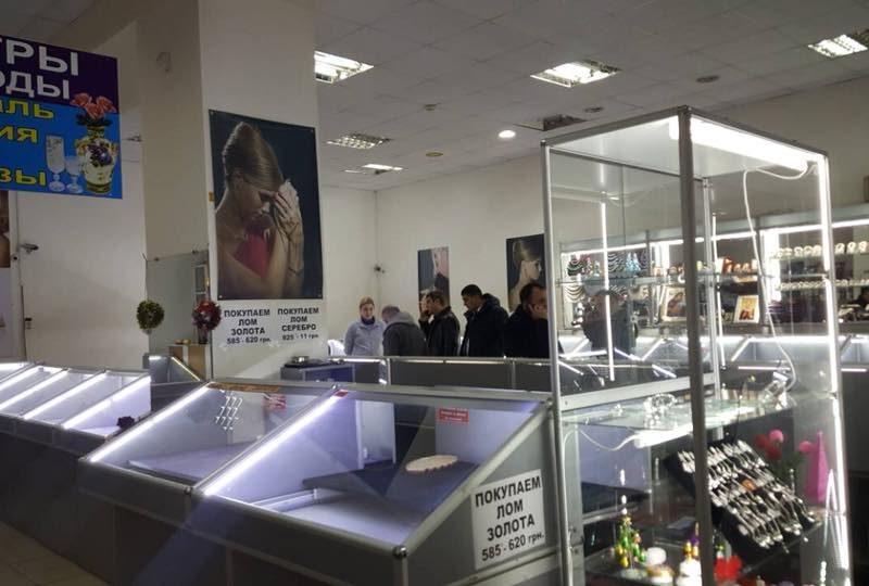 В Николаеве ограбили «ювелирку» – грабители были в форме Нацполиции и стреляли из автомата