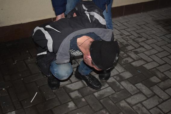 В Николаеве полиция задержала карманника, который промышлял кражами в маршрутках