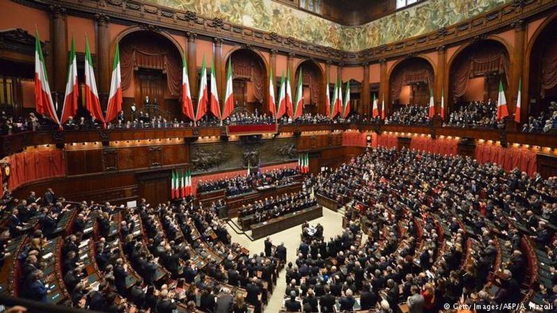 В Италии объявили массовую легализацию мигрантов