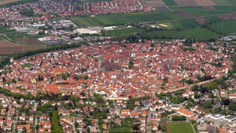 В Германии есть городок, стены зданий которого содержат 72 тыс.тонн алмазов