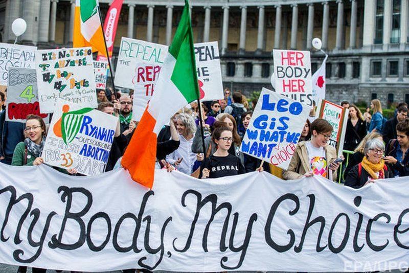 В Ирландии правительство согласилось провести референдум об отмене запрета на аборты