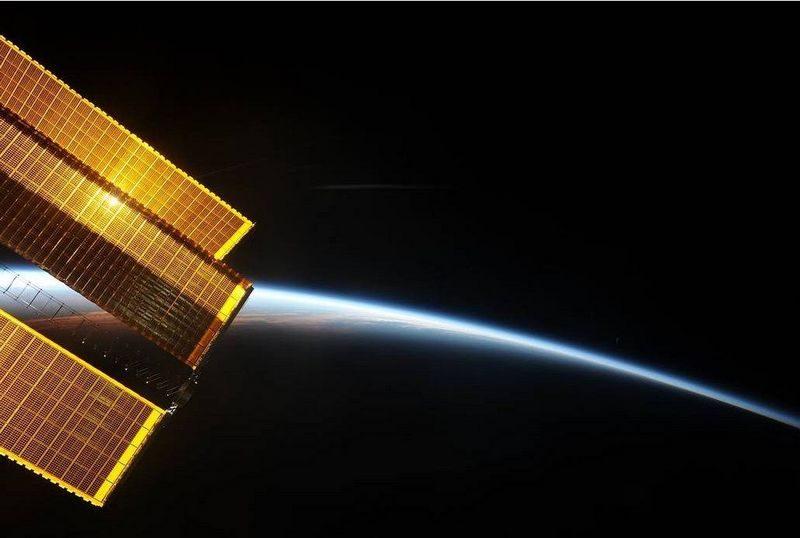 Ученые показали, как выглядит рассвет над Землей из космоса