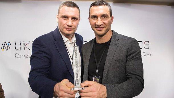 Виталий Кличко прокомментировал возможное возвращение брата на ринг
