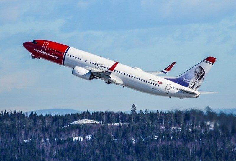 В Норвегии самолет вернулся в аэропорт из-за неисправного туалета, хотя на борту находилось 84 сантехника