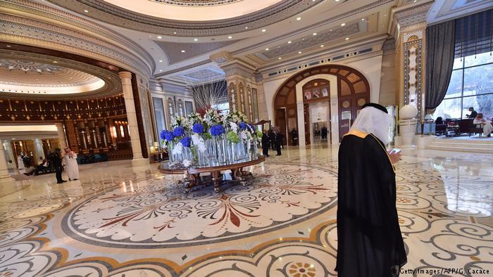 """В Саудовской Аравии хотят, чтобы подозреваемые в коррупции принцы """"сбросились"""" в пользу государства. На $100 млрд."""