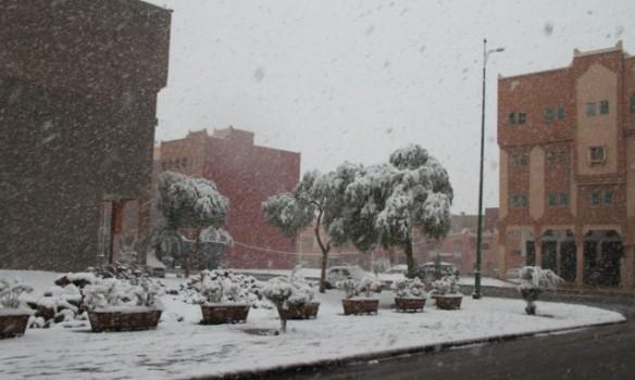 В Марокко впервые за полвека пошел снег. И хорошо пошел