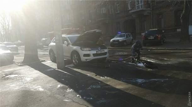 Судебная реформа в действии? В Одессе подожгли авто судьи