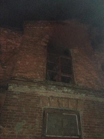 Под Николаевом тушили бытовой пожар (фото)