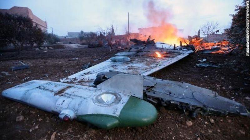 Минобороны РФ подтвердило гибель пилота сбитого в Сирии Су-25, заявив об ответном ударе по месту атаки