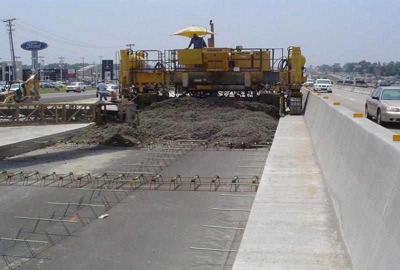 Омелян объявил эру бетонных дорог. Но надо решить, какие стандарты использовать