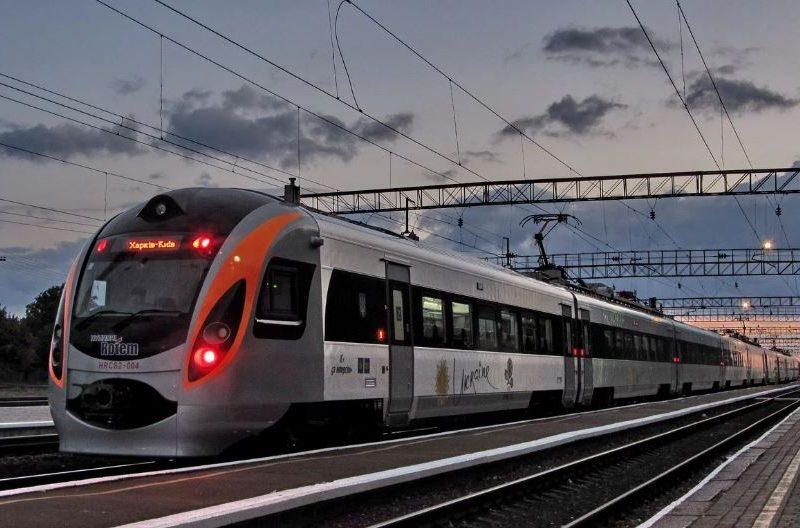 Скоростные поезда запустят из Киева в Одессу и еще в 2 города