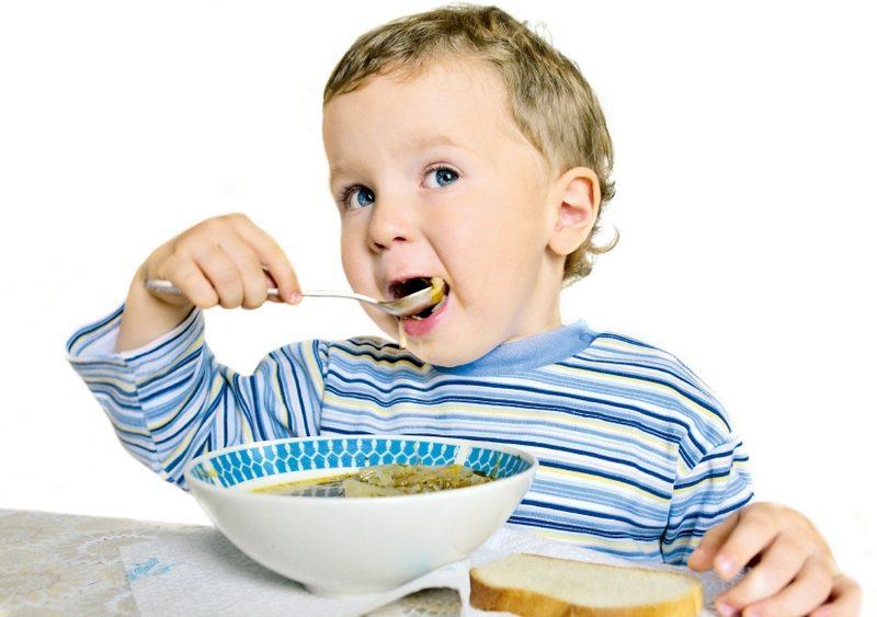 В ВОЗ заявили, что карантинные ограничения приводят к ожирению у детей