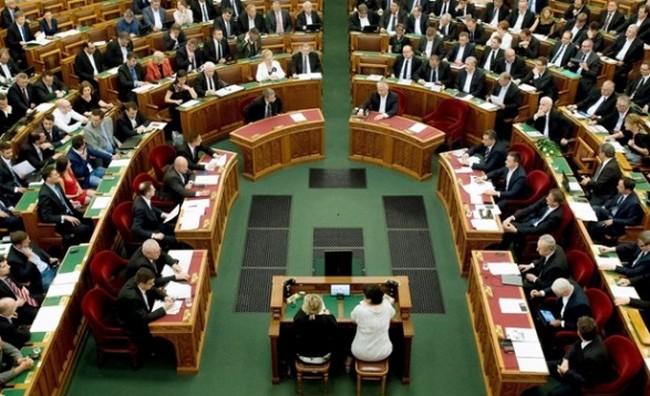 В Венгрии профсоюзы объявили общенациональную забастовку