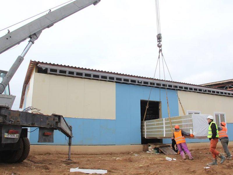 Строительство военного городка на полигоне «Широкий Лан» на Николаевщине: казармы готовы на 60%, строители жалуются на выходки погоды