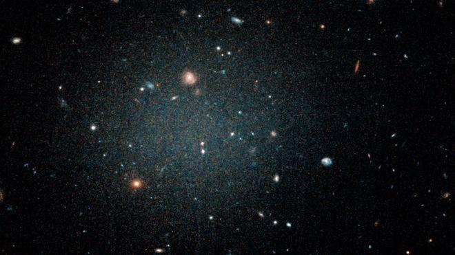 Ученые нашли галактику без темной материи