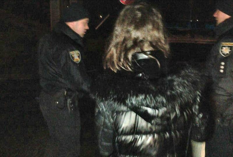 В центре Николаева пьяная женщина бросила своего грудного ребенка в реку
