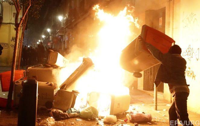 В Мадриде прошли массовые беспорядки из-за гибели уличного торговца