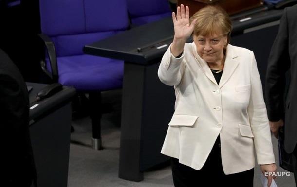 Меркель пригласила Зеленского в Берлин
