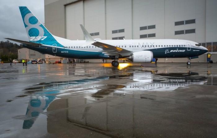 Авиакомпании начали продавать билеты на запрещенные Boeing 737 Max — СМИ