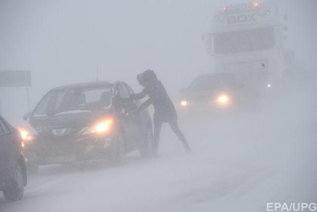 На Запорожье из-за непогоды перекрыли дороги