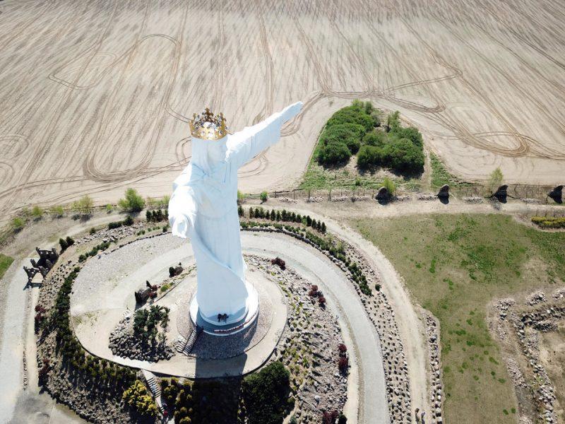 Крупнейшая в мире статуя Иисуса Христа в Польше начала раздавать интернет