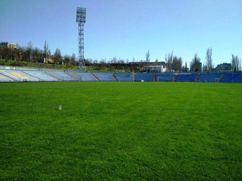 МФК «Николаев» провёл первую тренировку на натуральном газоне Центрального городского стадиона