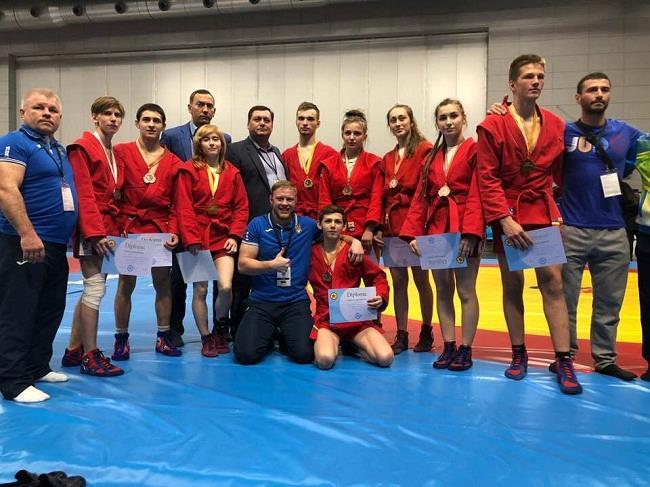 Николаевцы привезли два «серебра» с чемпионата Европы по самбо
