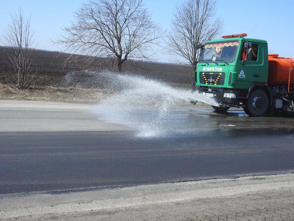 Киев: Укравтодор завершил ямочный ремонт дороги Одесса