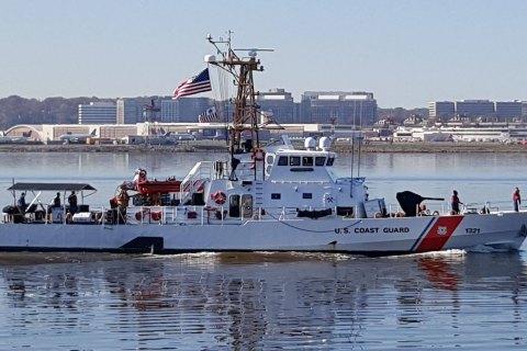 Порошенко анонсировал подписание контракта по катерам Island на май