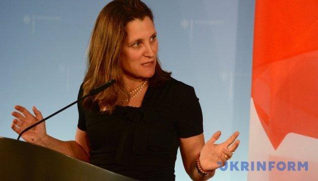 «Голубые шлемы» для Донбасса: стало известно, о чем говорили главы МИД Германии и Канады