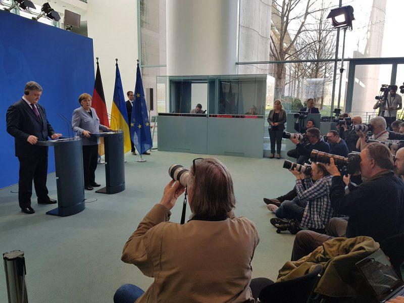 Меркель: Доказательства применения химоружия в Сирии ясные и четкие