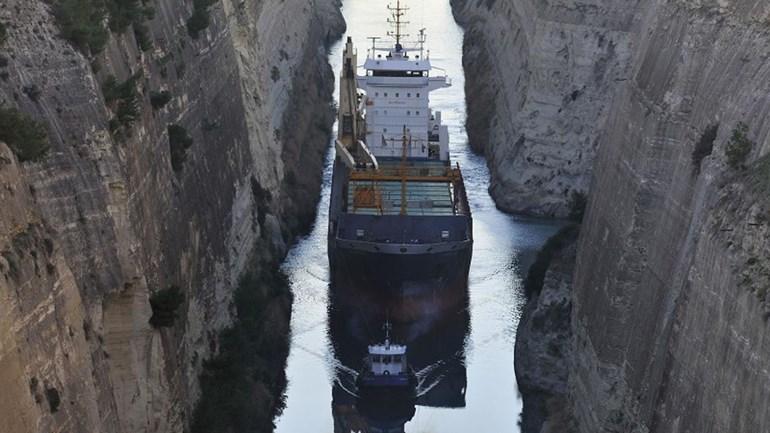Пираты похитили 12 моряков с грузового судна