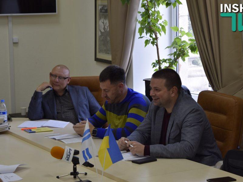 Лепишев надумал посмотреть дипломы работников пресс-службы горсовета