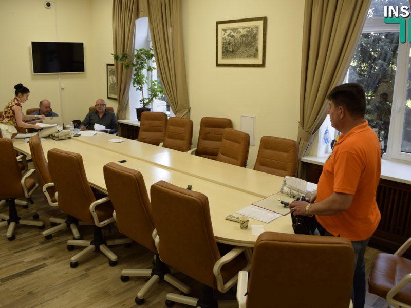 Из-за отсутствия кворума Репин потребовал переформатировать комиссию по ЖКХ: Не буду больше собирать комиссию, задрали
