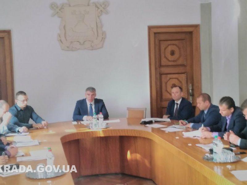 Сенкевич потребовал максимальные штрафы для ОСМД, которые не заключают договора на вывоз мусора