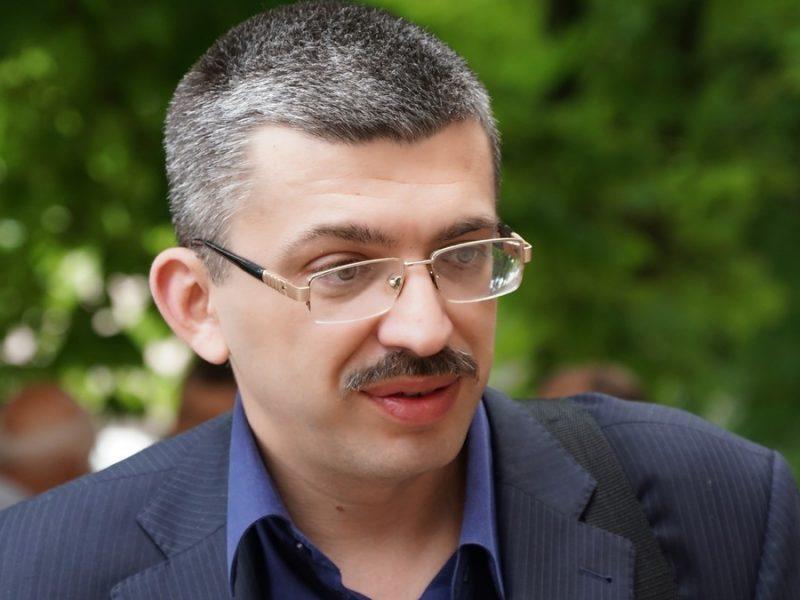Ухмановский заявил, что депутат горсовета Апанасенко напал на него в приемной мэра и угрожал убить