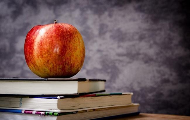 Школьники, которые сдадут два и больше предмета ВНО на 200 баллов, получат по 5 тыс.грн.